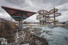 deadinside-urbex-dead-inside-natalia-sobanska-abandoned-abandoned-water-park-Japan-haikyo-Akita-5-of-17