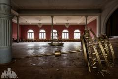 golden ballroom, abandoned ballroom, germany, opuszczona sala balowa, urbex, abandoned (4 of 5)
