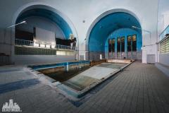 deadinside, urbex, dead inside, natalia sobanska, abandoned, abandoned swimming pool, synagouge, opuszczona synagoga, Poland (3 of 5)