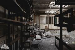 deadinside, urbex, dead inside, natalia sobanska, abandoned france, bureau central, opuszczone miejsca, urbex (12 of 45)