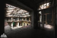deadinside, urbex, dead inside, natalia sobanska, abandoned france, bureau central, opuszczone miejsca, urbex (32 of 45)