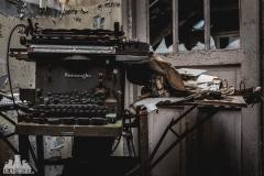 deadinside, urbex, dead inside, natalia sobanska, abandoned france, bureau central, opuszczone miejsca, urbex (9 of 45)