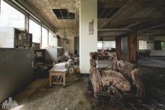 deadinside-urbex-dead-inside-natalia-sobanska-abandoned-abandoned-office-building-Ikeshima-island-Japan-Haikyo-11-of-60