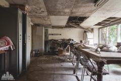 deadinside-urbex-dead-inside-natalia-sobanska-abandoned-abandoned-office-building-Ikeshima-island-Japan-Haikyo-23-of-60