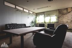 deadinside-urbex-dead-inside-natalia-sobanska-abandoned-abandoned-office-building-Ikeshima-island-Japan-Haikyo-28-of-60