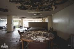 deadinside-urbex-dead-inside-natalia-sobanska-abandoned-abandoned-office-building-Ikeshima-island-Japan-Haikyo-33-of-60