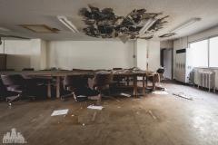 deadinside-urbex-dead-inside-natalia-sobanska-abandoned-abandoned-office-building-Ikeshima-island-Japan-Haikyo-35-of-60