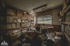 deadinside-urbex-dead-inside-natalia-sobanska-abandoned-abandoned-office-building-Ikeshima-island-Japan-Haikyo-4-of-60