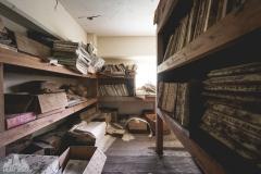 deadinside-urbex-dead-inside-natalia-sobanska-abandoned-abandoned-office-building-Ikeshima-island-Japan-Haikyo-56-of-60