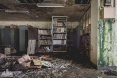 deadinside-urbex-dead-inside-natalia-sobanska-abandoned-abandoned-office-building-Ikeshima-island-Japan-Haikyo-9-of-60