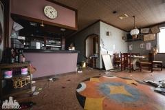 deadinside, urbex, dead inside, natalia sobanska, abandoned, abandoned chinese restaurant, abandoned Japan, Haikyo (2 of 11)