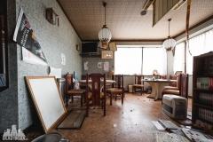 deadinside, urbex, dead inside, natalia sobanska, abandoned, abandoned chinese restaurant, abandoned Japan, Haikyo (3 of 11)