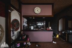 deadinside, urbex, dead inside, natalia sobanska, abandoned, abandoned chinese restaurant, abandoned Japan, Haikyo (4 of 11)