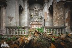 urbex-abandoned-places-deadinside-urbex-dead-inside-natalia-sobanska-opuszczone-miejsca-church-of-mood-abandoned-church-in-Italy-italia-abandonata-5