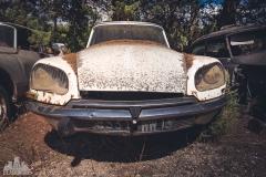 deadinside-urbex-dead-inside-natalia-sobanska-abandoned-car-graveyard-citroen-DS-France-12-of-45