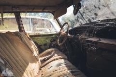 deadinside-urbex-dead-inside-natalia-sobanska-abandoned-car-graveyard-citroen-DS-France-21-of-45