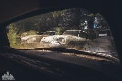 deadinside-urbex-dead-inside-natalia-sobanska-abandoned-car-graveyard-citroen-DS-France-30-of-45