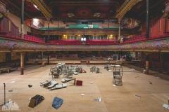 deadinside-urbex-dead-inside-natalia-sobanska-abandoned-abandoned-theater-England-1-of-9