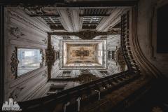deadinside, urbex, dead inside, natalia sobanska, abandoned, abandoned dictator Palace, abandoned palace, Portugal (7 of 7)
