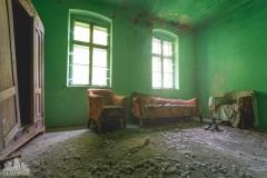 deadinside-urbex-dead-inside-natalia-sobanska-abandoned-abandoned-sand-house-Austria-1-of-2