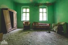 deadinside-urbex-dead-inside-natalia-sobanska-abandoned-abandoned-sand-house-Austria-2-of-2