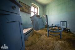 deadinside-urbex-dead-inside-natalia-sobanska-abandoned-abandoned-sand-house-Austria-2-of-3