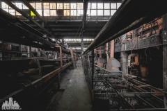 deadinside, urbex, dead inside, natalia sobanska, abandoned factory, Fabryka łąćzników, radomskie łączniki, opuszczone (10 of 29)