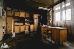 deadinside, urbex, dead inside, natalia sobanska, abandoned factory, Fabryka łąćzników, radomskie łączniki, opuszczone, (10 of 36)