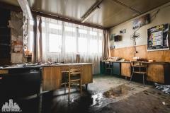 deadinside, urbex, dead inside, natalia sobanska, abandoned factory, Fabryka łąćzników, radomskie łączniki, opuszczone, (11 of 36)