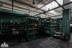 deadinside, urbex, dead inside, natalia sobanska, abandoned factory, Fabryka łąćzników, radomskie łączniki, opuszczone, (12 of 36)