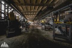 deadinside, urbex, dead inside, natalia sobanska, abandoned factory, Fabryka łąćzników, radomskie łączniki, opuszczone (14 of 29)