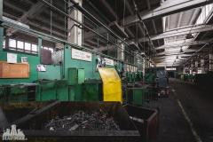 deadinside, urbex, dead inside, natalia sobanska, abandoned factory, Fabryka łąćzników, radomskie łączniki, opuszczone, (14 of 36)