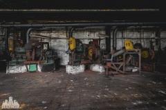 deadinside, urbex, dead inside, natalia sobanska, abandoned factory, Fabryka łąćzników, radomskie łączniki, opuszczone (15 of 29)