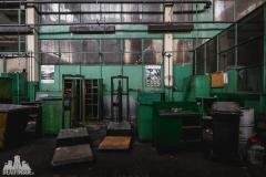 deadinside, urbex, dead inside, natalia sobanska, abandoned factory, Fabryka łąćzników, radomskie łączniki, opuszczone, (15 of 36)