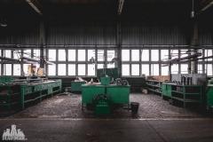deadinside, urbex, dead inside, natalia sobanska, abandoned factory, Fabryka łąćzników, radomskie łączniki, opuszczone, (16 of 36)