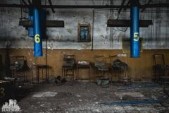 deadinside, urbex, dead inside, natalia sobanska, abandoned factory, Fabryka łąćzników, radomskie łączniki, opuszczone (17 of 29)