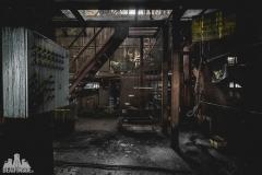 deadinside, urbex, dead inside, natalia sobanska, abandoned factory, Fabryka łąćzników, radomskie łączniki, opuszczone (2 of 29)