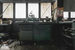 deadinside, urbex, dead inside, natalia sobanska, abandoned factory, Fabryka łąćzników, radomskie łączniki, opuszczone, (2 of 36)