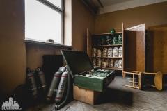 deadinside, urbex, dead inside, natalia sobanska, abandoned factory, Fabryka łąćzników, radomskie łączniki, opuszczone, (20 of 36)