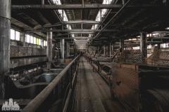deadinside, urbex, dead inside, natalia sobanska, abandoned factory, Fabryka łąćzników, radomskie łączniki, opuszczone (22 of 29)