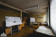 deadinside, urbex, dead inside, natalia sobanska, abandoned factory, Fabryka łąćzników, radomskie łączniki, opuszczone, (23 of 36)