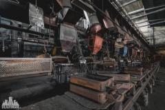 deadinside, urbex, dead inside, natalia sobanska, abandoned factory, Fabryka łąćzników, radomskie łączniki, opuszczone (27 of 29)