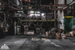 deadinside, urbex, dead inside, natalia sobanska, abandoned factory, Fabryka łąćzników, radomskie łączniki, opuszczone (29 of 29)