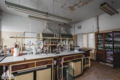 deadinside, urbex, dead inside, natalia sobanska, abandoned factory, Fabryka łąćzników, radomskie łączniki, opuszczone, (33 of 36)