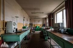 deadinside, urbex, dead inside, natalia sobanska, abandoned factory, Fabryka łąćzników, radomskie łączniki, opuszczone, (34 of 36)