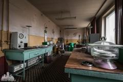 deadinside, urbex, dead inside, natalia sobanska, abandoned factory, Fabryka łąćzników, radomskie łączniki, opuszczone, (35 of 36)