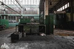 deadinside, urbex, dead inside, natalia sobanska, abandoned factory, Fabryka łąćzników, radomskie łączniki, opuszczone, (4 of 36)