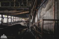 deadinside, urbex, dead inside, natalia sobanska, abandoned factory, Fabryka łąćzników, radomskie łączniki, opuszczone (5 of 29)
