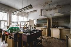deadinside, urbex, dead inside, natalia sobanska, abandoned poland, Fabryka łączników Radom, radomskie łączniki, Abandoned factory, Metal Connector factory (49 of 77)
