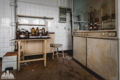deadinside, urbex, dead inside, natalia sobanska, abandoned poland, Fabryka łączników Radom, radomskie łączniki, Abandoned factory, Metal Connector factory (51 of 77)